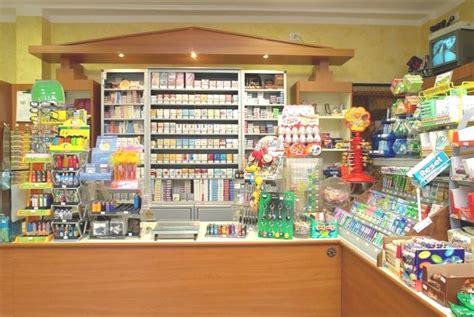 arredamenti tabaccheria arredamenti per tabaccherie compra in fabbrica a met 224