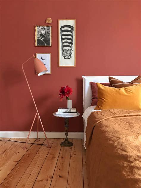 warme farben fuer weihnachten schlafzimmer farbe