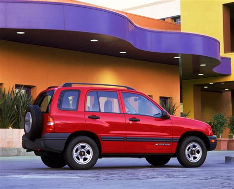 2002 Chevrolet Tracker History, Pictures, Sales Value
