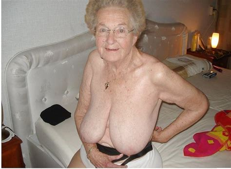 Ht2 In Gallery Grannyoma Hanging Tits Picture 2