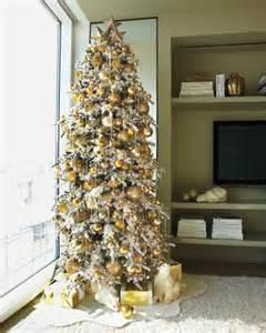 15 creative tree decorating ideas