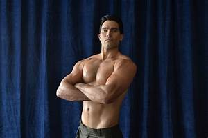 Tyler Hoechlin Gets 'Bigger' in Bodybuilding Biopic About ...
