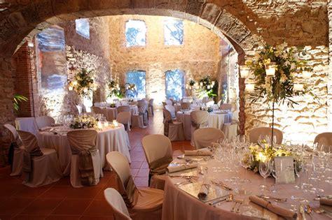 top tips  planning  budget wedding function fixers
