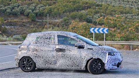 Jaunā Renault Zoe sekos Nissan Leaf pēdās   Uzlādēts