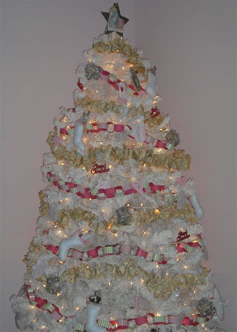 shabby christmas 25 shabby chic christmas decoration