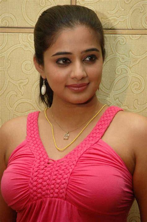Priya Mani Hot Boobs In Top Hot Actress Sexy Pics