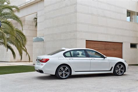 bmw  series review  drive motor trend