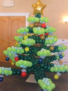 pictures on balloon christmas tree easy diy christmas decorations