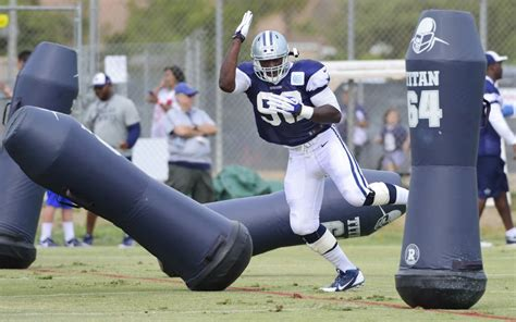 How do Cowboys find an elite pass rusher? Here's Jerry ...