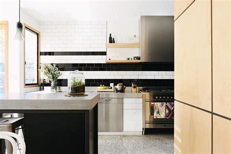 hot trend  tasteful ways  add stripes   kitchen