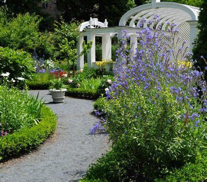 Designing An English Garden Lovetoknow