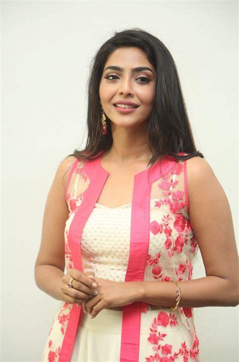 actress lakshmi latest news new actress iswarya lakshmi latest stills