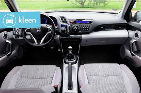 nettoyer sieges auto comment nettoyer sa voiture les é à suivre kleen