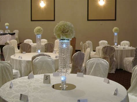 centerpieces at weddings set the mood decor
