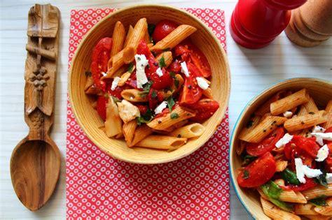 salade de tagliatelles aux deux poivrons
