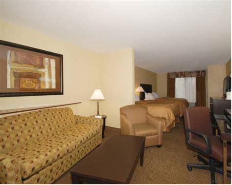 comfort suites oshkosh wi comfort suites oshkosh in oshkosh wi non rooms