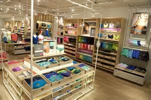 designer stores it s here aerie s new store design american eagle