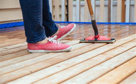 staining  restaining  deck part  timing  tips