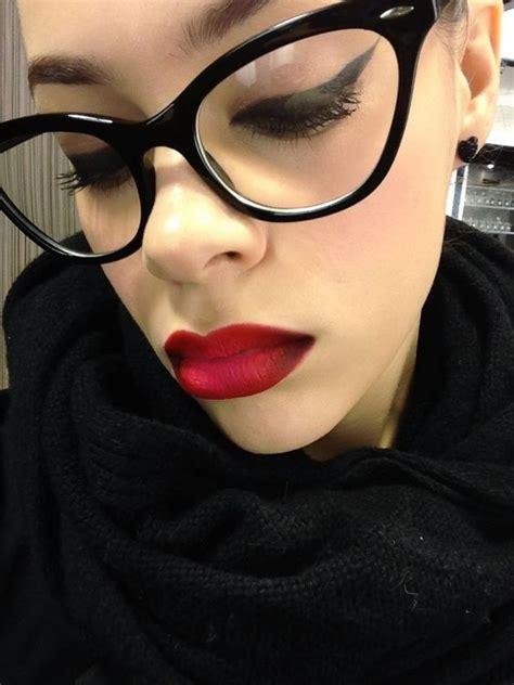Maquillaje para mujeres que usan lentes (20) Curso de