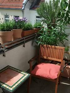 Hängetisch Balkon Geländer : balkon gestalten tipps und tricks ~ Whattoseeinmadrid.com Haus und Dekorationen