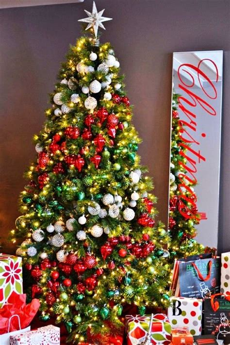 ideas to decorate a christmas tree tree decorations ideas and tips to decorate it inspirationseek