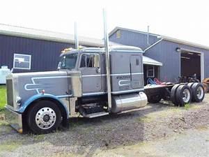 Peterbilt 379  1990    Sleeper Semi Trucks