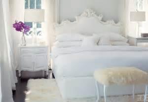 Pink Headboard by 20 Shabby Chic Bedroom Ideas