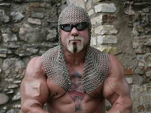 What happened to Scott Steiner and Undertaker's chest?