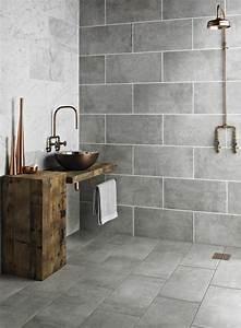 home staging salle de bains un relooking en 4 etapes With salle de bain carrelage gris