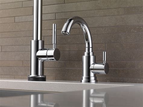 Single Handle Single Hole Pull-down Kitchen Faucet With