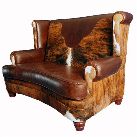 Luckenbach Curved Front Loveseat