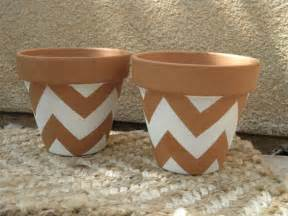 Peindre Pot Terre Cuite Bombe by Simple Diy Ways To Customize Terracotta Pots