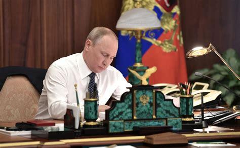 putin signs law suspending inf disarmament treaty