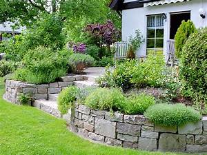 Terrasse Am Hang : pin von sunny life auf garden garten gartengestaltung ~ A.2002-acura-tl-radio.info Haus und Dekorationen