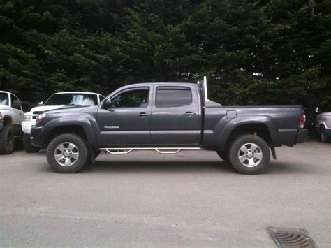 want to see pics of 265 70 17 s with 2 5 quot lift tacoma