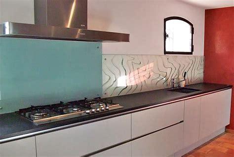 plaque verre cuisine plaque en verre cuisine cobtsa com