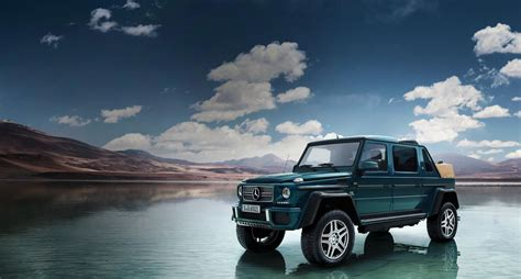 Read the review and see photos at car and driver. Der neue Mercedes-Maybach G 650 Landaulet.
