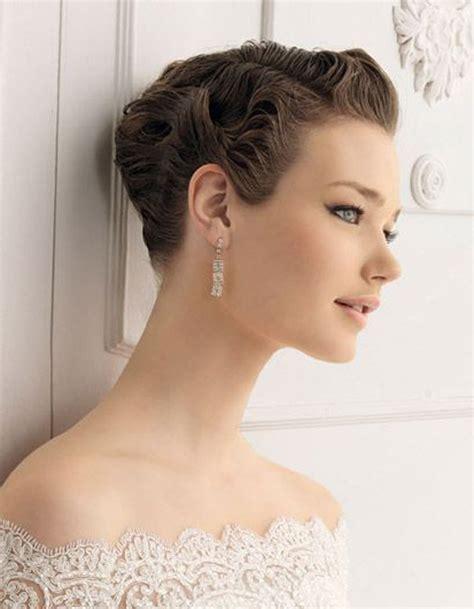 coiffure pour un mariage chignon chignon de mariage cheveux courts je veux un joli