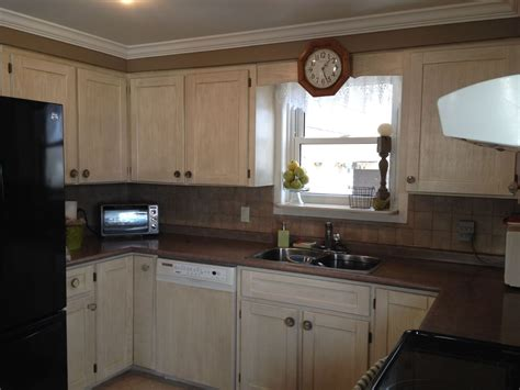 how to give your kitchen cabinets a facelift kitchen cabinet facelift hometalk 9747