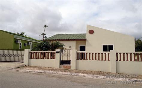 huis te huur op curacao huizen te koop curacao related keywords huizen te koop
