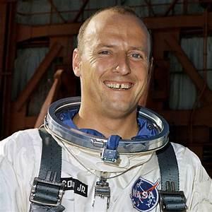 Astronaut Pete Conrad - Pics about space
