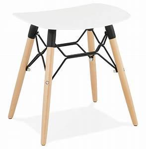 Tabouret Style Scandinave : tabouret bas aladin blanc style scandinave tabouret design ~ Teatrodelosmanantiales.com Idées de Décoration