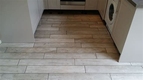 kitchen floor tiles wood effect using wood effect tiles for floors creative tiles 8091