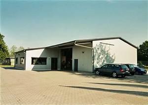 Hallenbau Mit Wohnung : festpreisangebote planen und bauen hallenbau werkhallen stahlhallen ~ Frokenaadalensverden.com Haus und Dekorationen