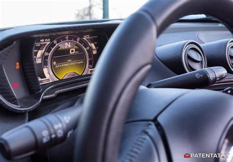 Alfa 4c Interni Alfa Romeo 4c Coup 233 Vs 4c Spider La Prova Delle Supercar
