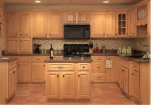 top of kitchen cabinet ideas maple kitchen cabinet pictures and ideas