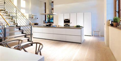 parquet flottant dans une cuisine parquet cuisine ouverte parquet bois en chne parquet bois