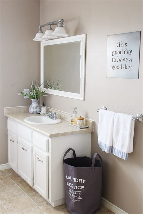 How To Organize Small Bathroom by 9 Easy Tips To Organize The Bathroom Clean And Scentsible