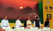 File:Narendra Modi launching the DD Kisan Channel, in New ...