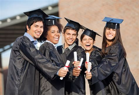 college sales recruiting tips hiring  graduates  sell